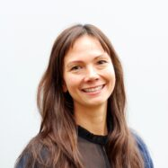 Dale, Maria Teresa Grønning